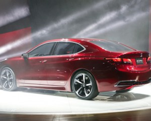 2015 Acura TLX Rear and Side View