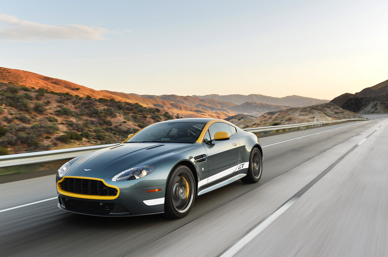 2015 aston martin v8 vantage gt road test 302 cars performance reviews and test drive. Black Bedroom Furniture Sets. Home Design Ideas