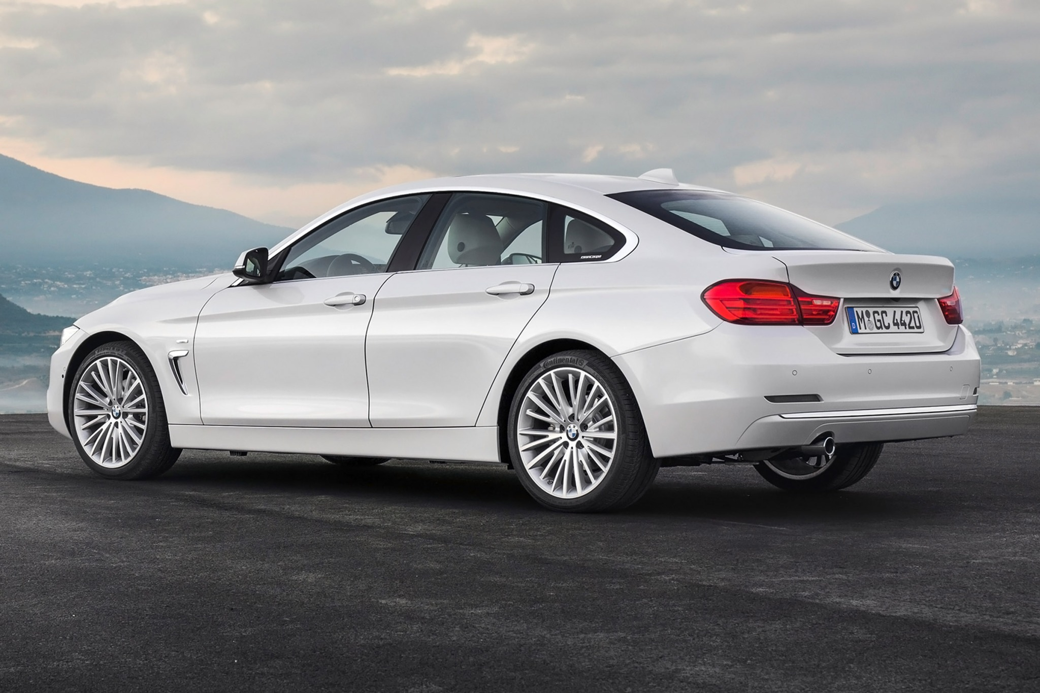 2015 BMW 4 Series Gran Coupe White Side Rear View
