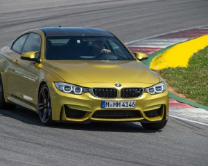 2015 BMW M4 Coupe Test Cornering