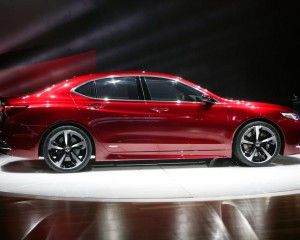 New 2015 Acura TLX Side View