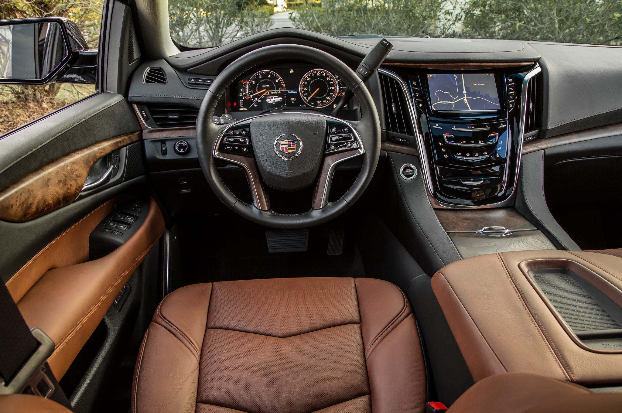 2015 Cadillac Escalade Cockpit 458 Cars Performance Reviews And Test Drive