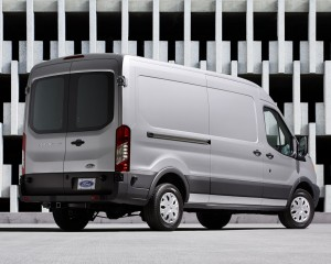 2015 Ford Transit 150 Wagon White Rear Side Design