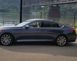 2015 Hyundai Genesis Side Exterior