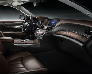 2015 Infiniti Q70L Cockpit and Front Interior
