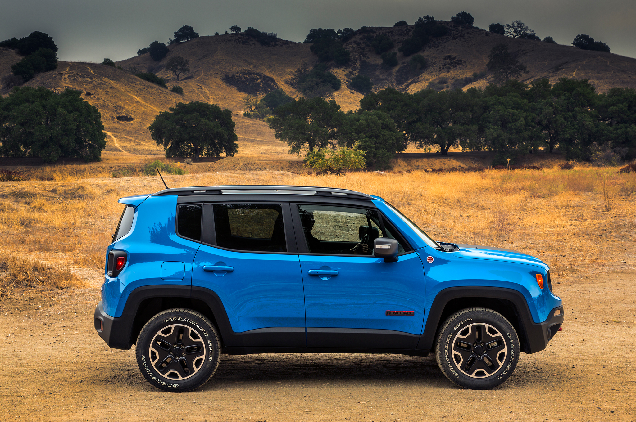 2015 jeep renegade blue side exterior 737 cars performance reviews and test drive