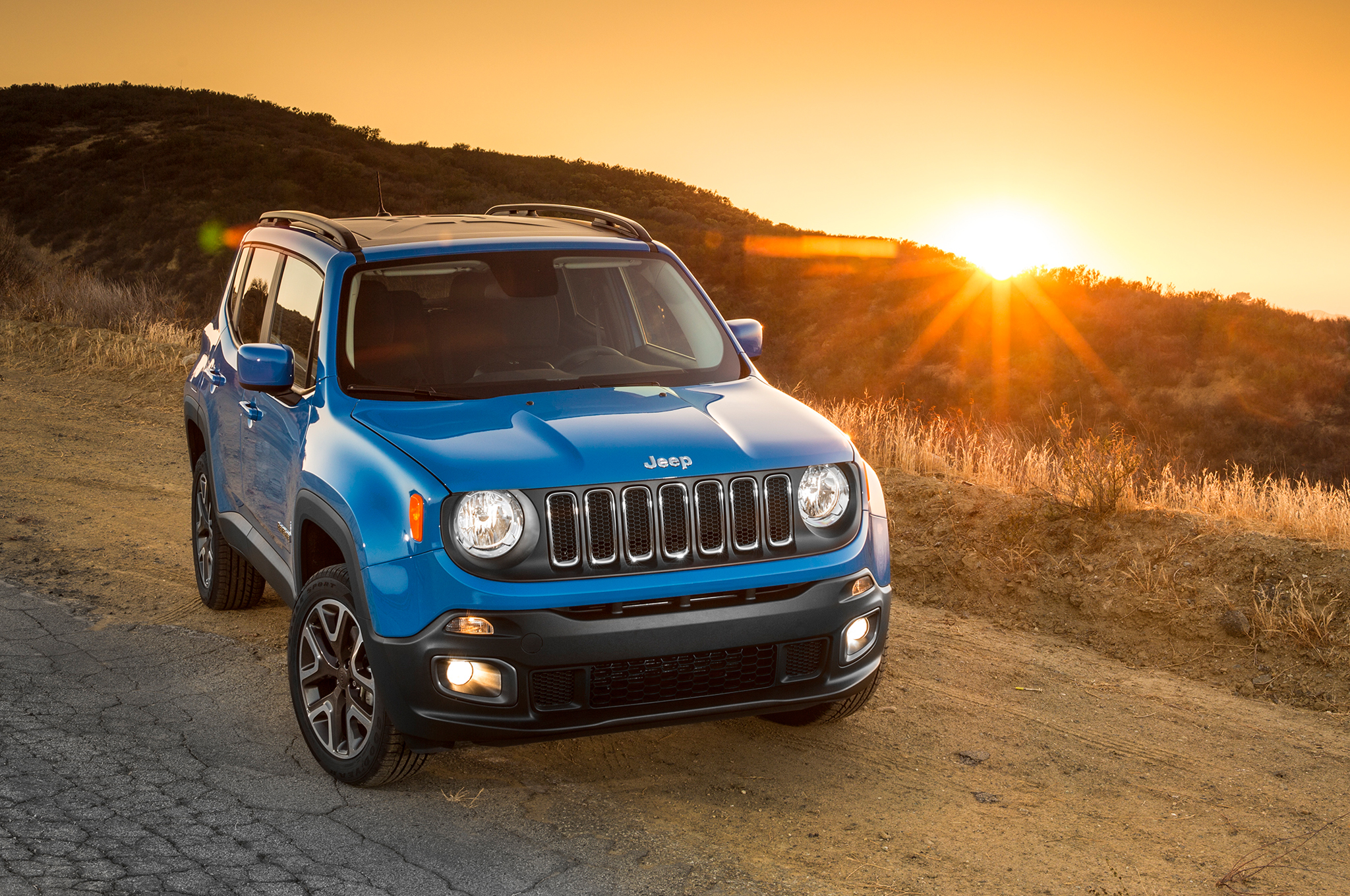 2015 jeep renegade overview 735 cars performance reviews and test drive. Black Bedroom Furniture Sets. Home Design Ideas