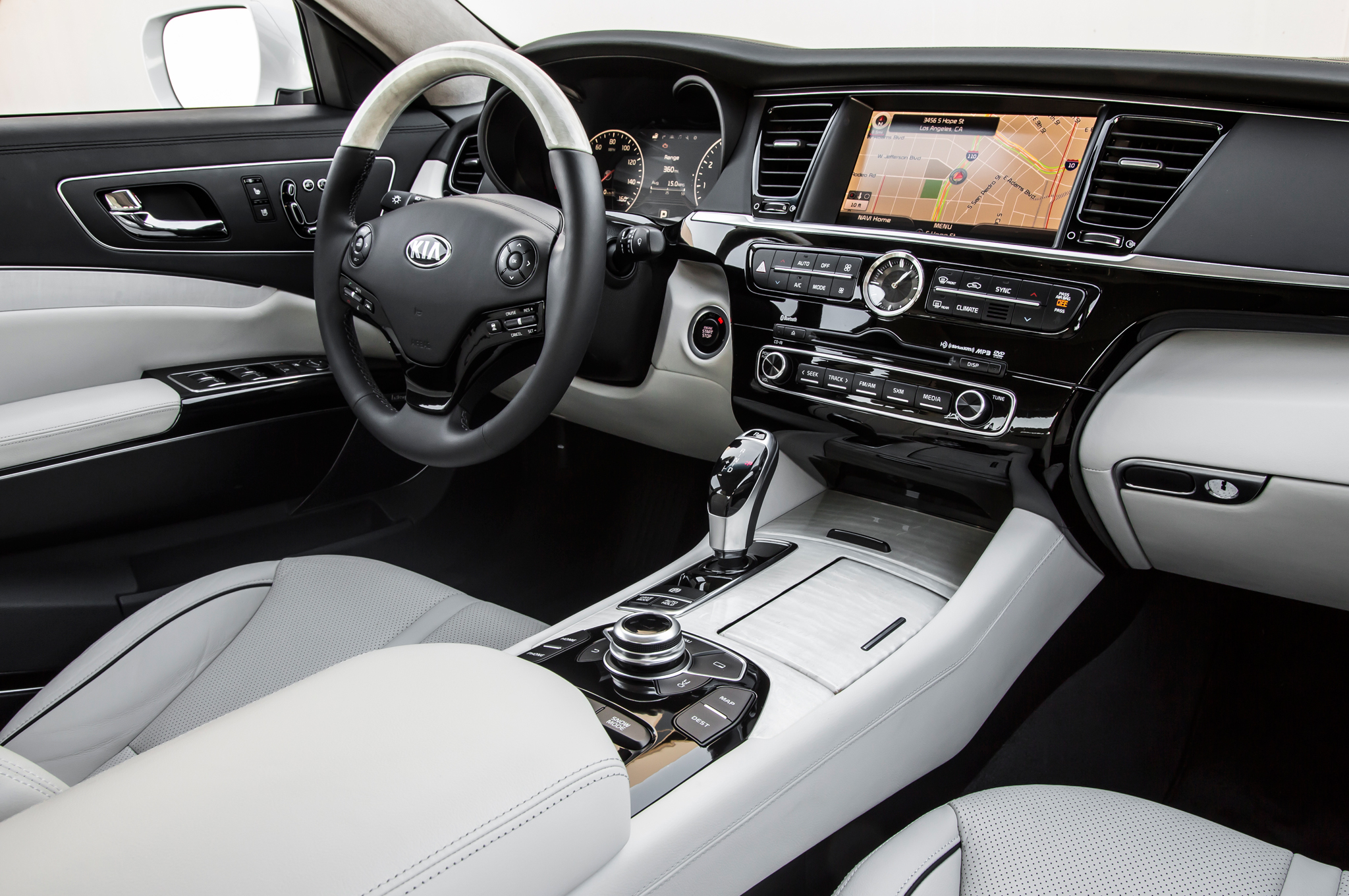2015 Kia K900 High Class Interior