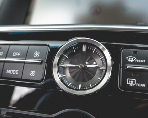 2015 Kia K900 Interior Clock