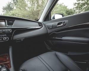 2015 Kia K900 Interior Front Passenger Dashboard