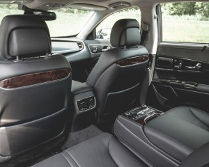 2015 Kia K900 Interior Rear