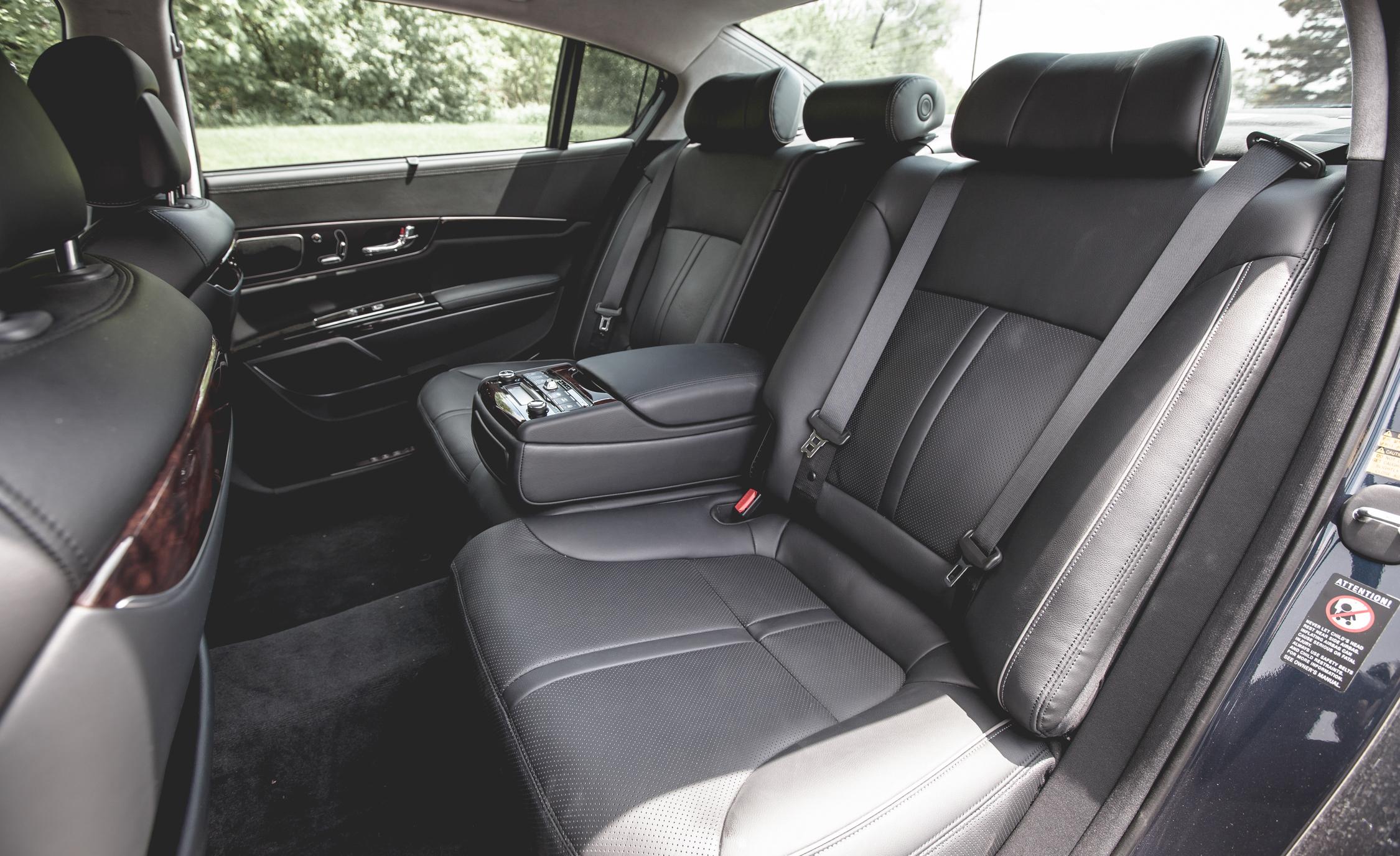 2015 Kia K900 Interior Rear Passenger Seats