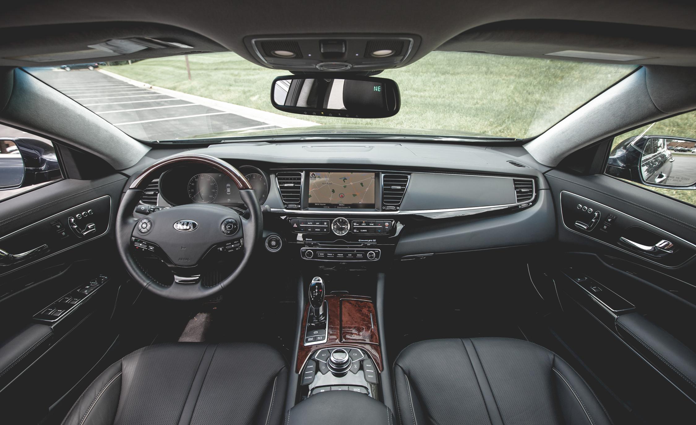 2015 Kia K900 Interior
