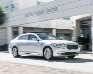 2015 Kia K900 Performance