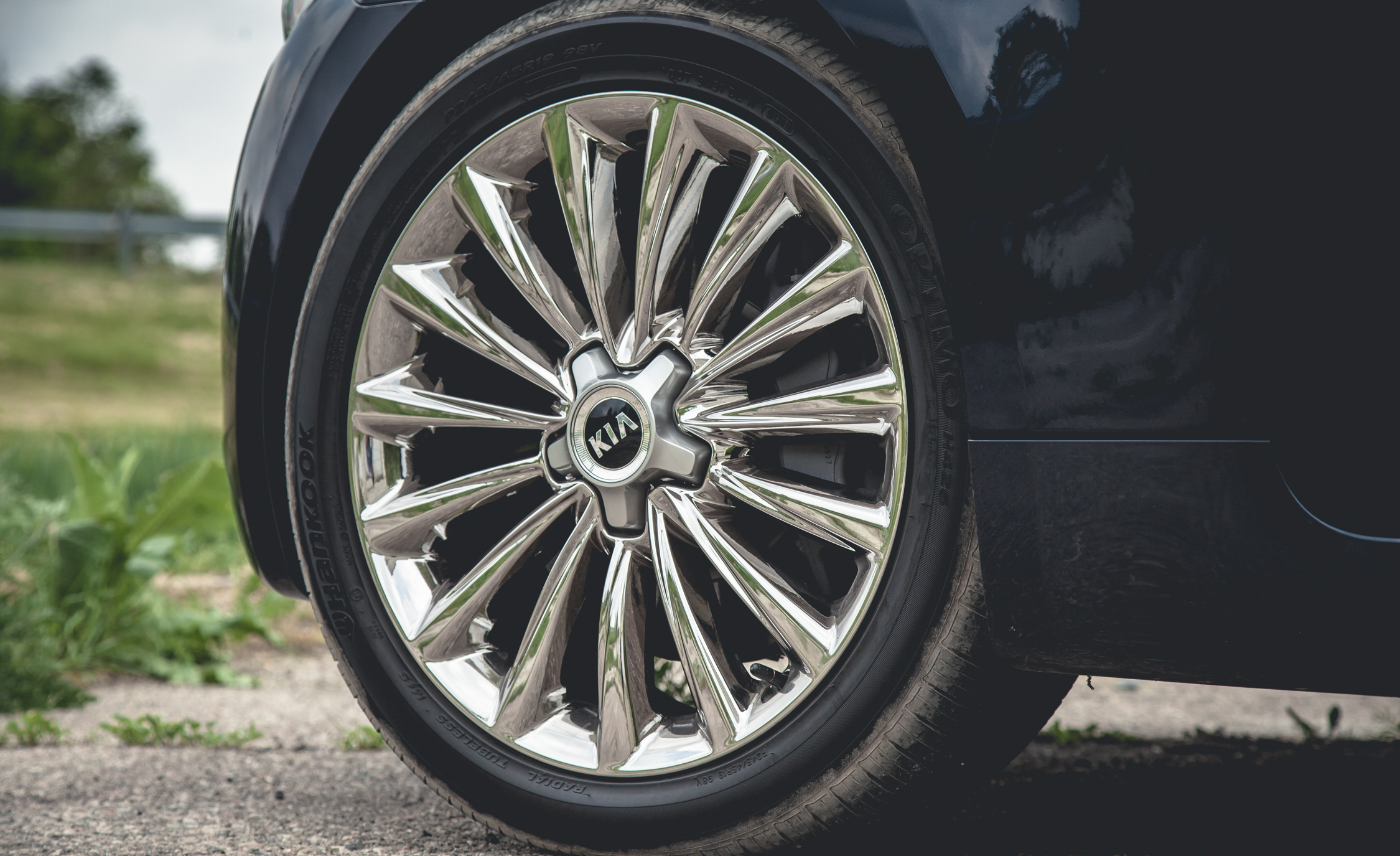 2015 Kia K900 V-8 Exterior Wheel Trim