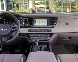 2015 Kia Sedona Cockpit and Dash