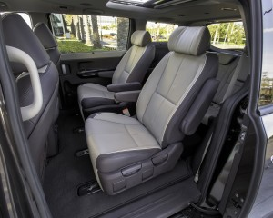 2015 Kia Sedona Middle Seats