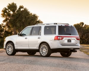2015 Lincoln Navigator Rear Side Posing