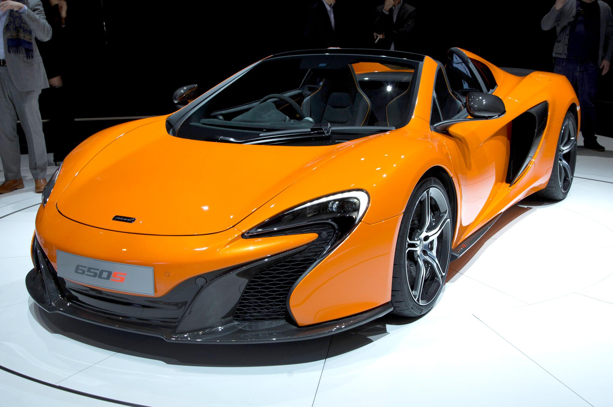 2015 McLaren 650S Exterior Profile