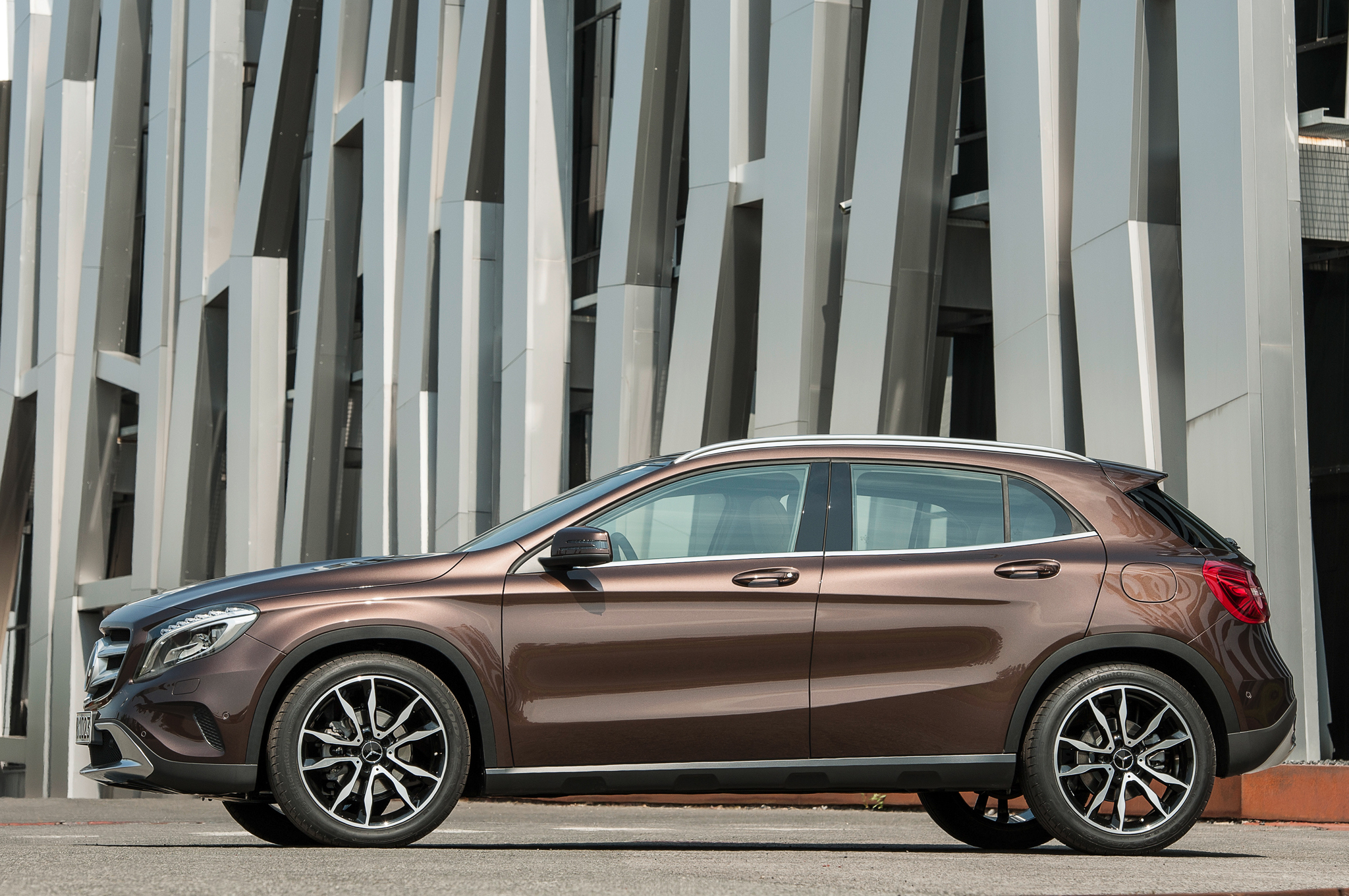 2015 Mercedes-Benz GLA-Class Side Design View