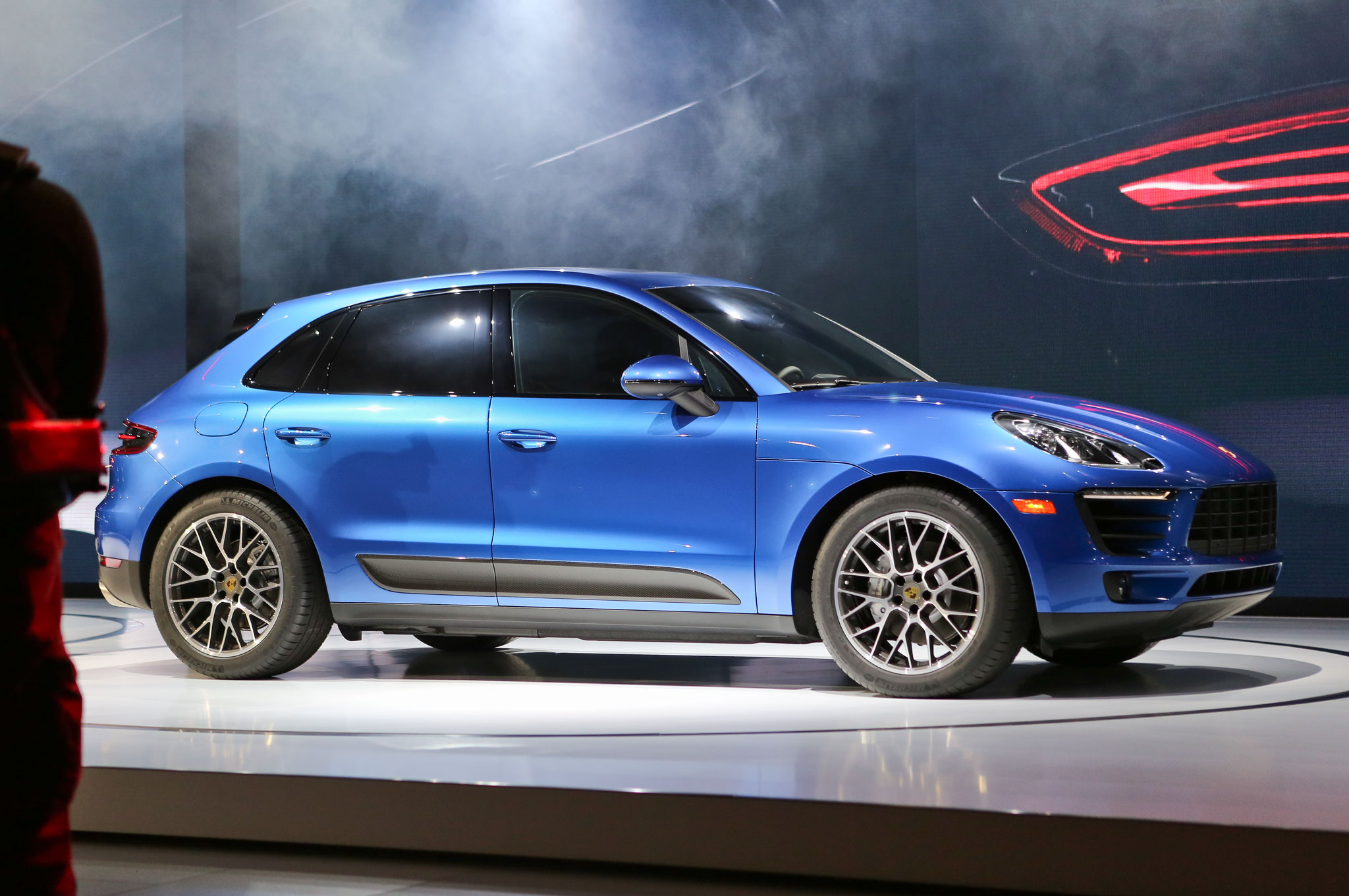 2015 Porsche Macan Side View Auto Show