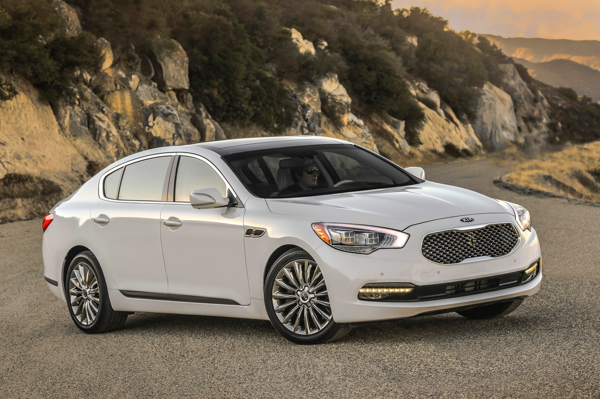 All New 2015 Kia K900