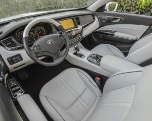 Deluxe 2015 Kia K900 Front Seat