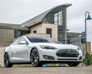 2014 Tesla Model S 60 Exterior Preview