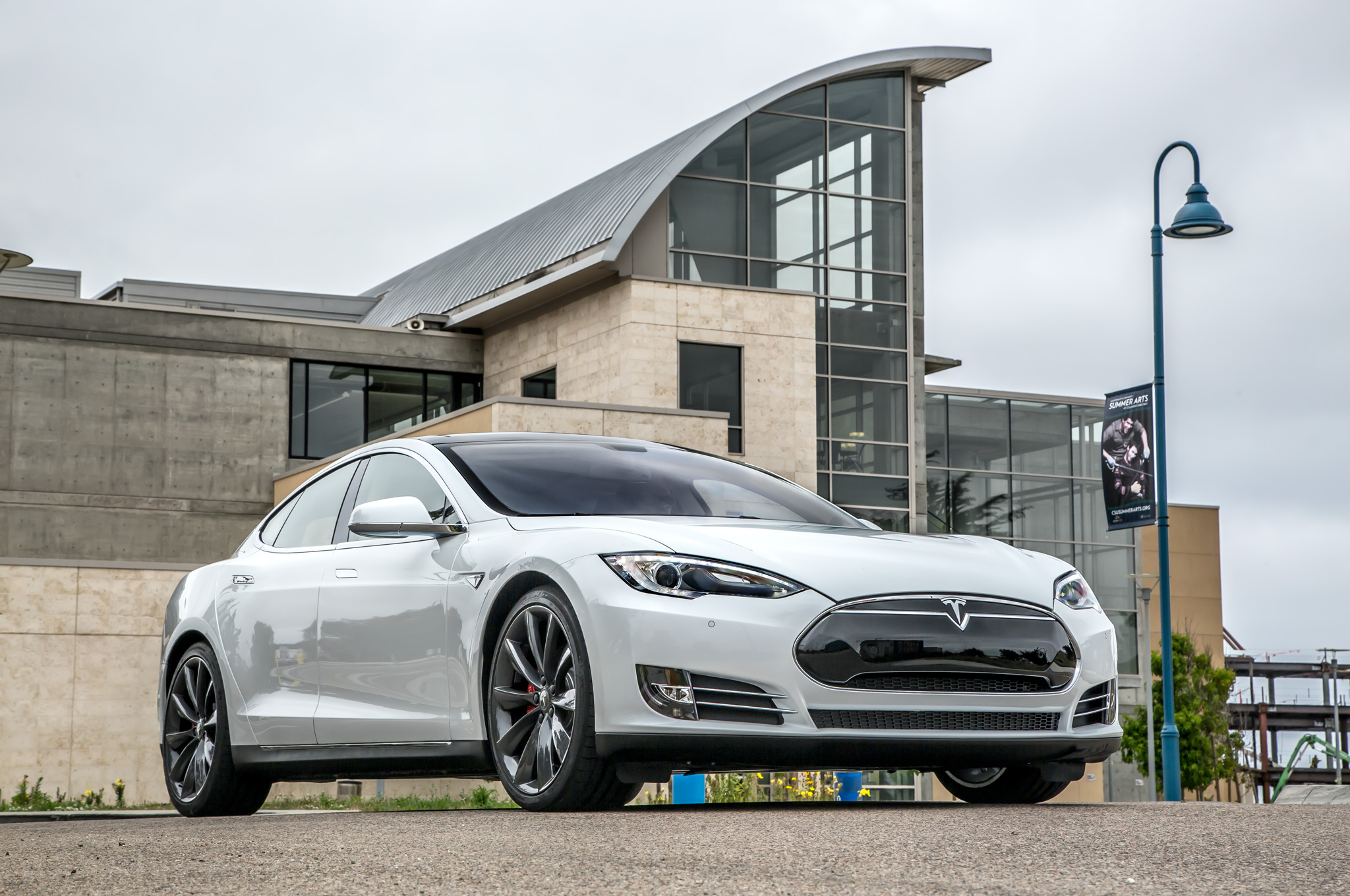 2014 tesla model s 60 exterior preview 1329 cars performance reviews and test drive. Black Bedroom Furniture Sets. Home Design Ideas