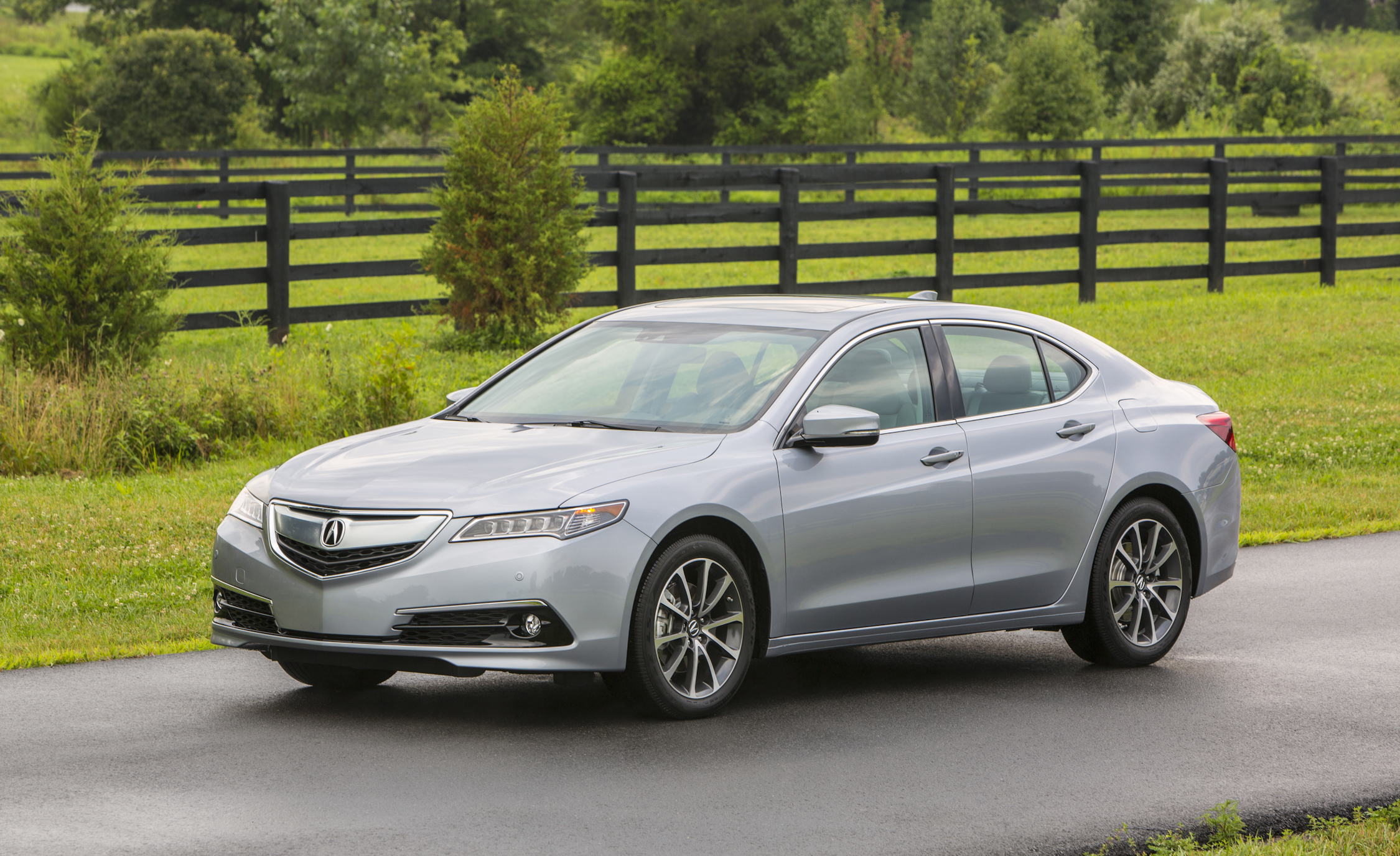 2015 acura tlx review small luxury sedan with power 22 cars performance reviews and test drive. Black Bedroom Furniture Sets. Home Design Ideas