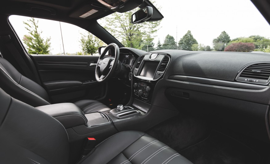 2015 chrysler 300 dashboard interior 1372 cars. Black Bedroom Furniture Sets. Home Design Ideas