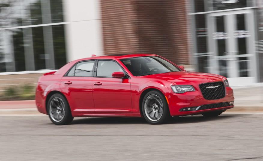 2015 Chrysler 300 Front Side