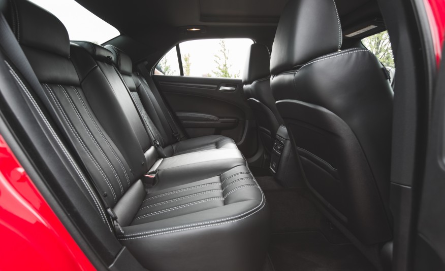 2015 Chrysler 300 Rear Seats Space