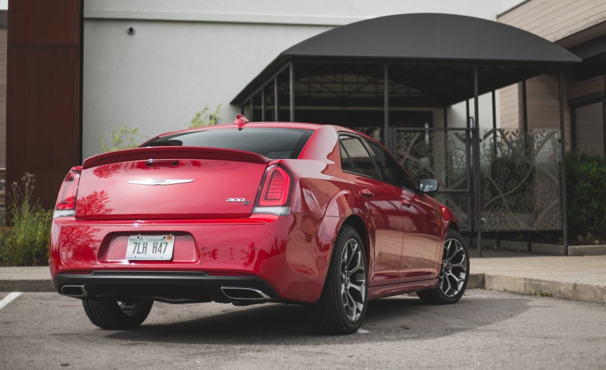 2015 Chrysler 300S Rear Photo