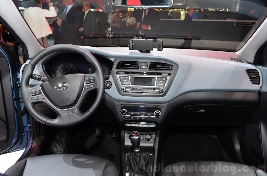 2015 Hyundai i20 Dashboard and Cockpit