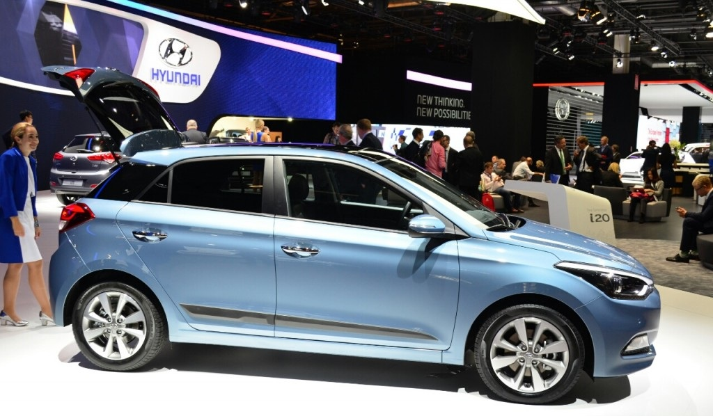 2015 Hyundai i20 Side Preview