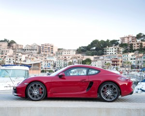 2015 Porsche Cayman GTS Side Exterior Preview