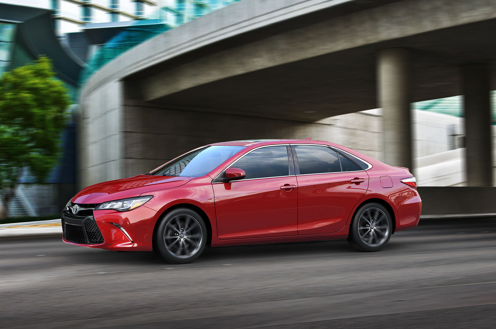 2015 Toyota Camry Front Side