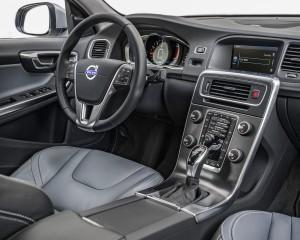 2015 Volvo V60 Cockpit and Speedometer