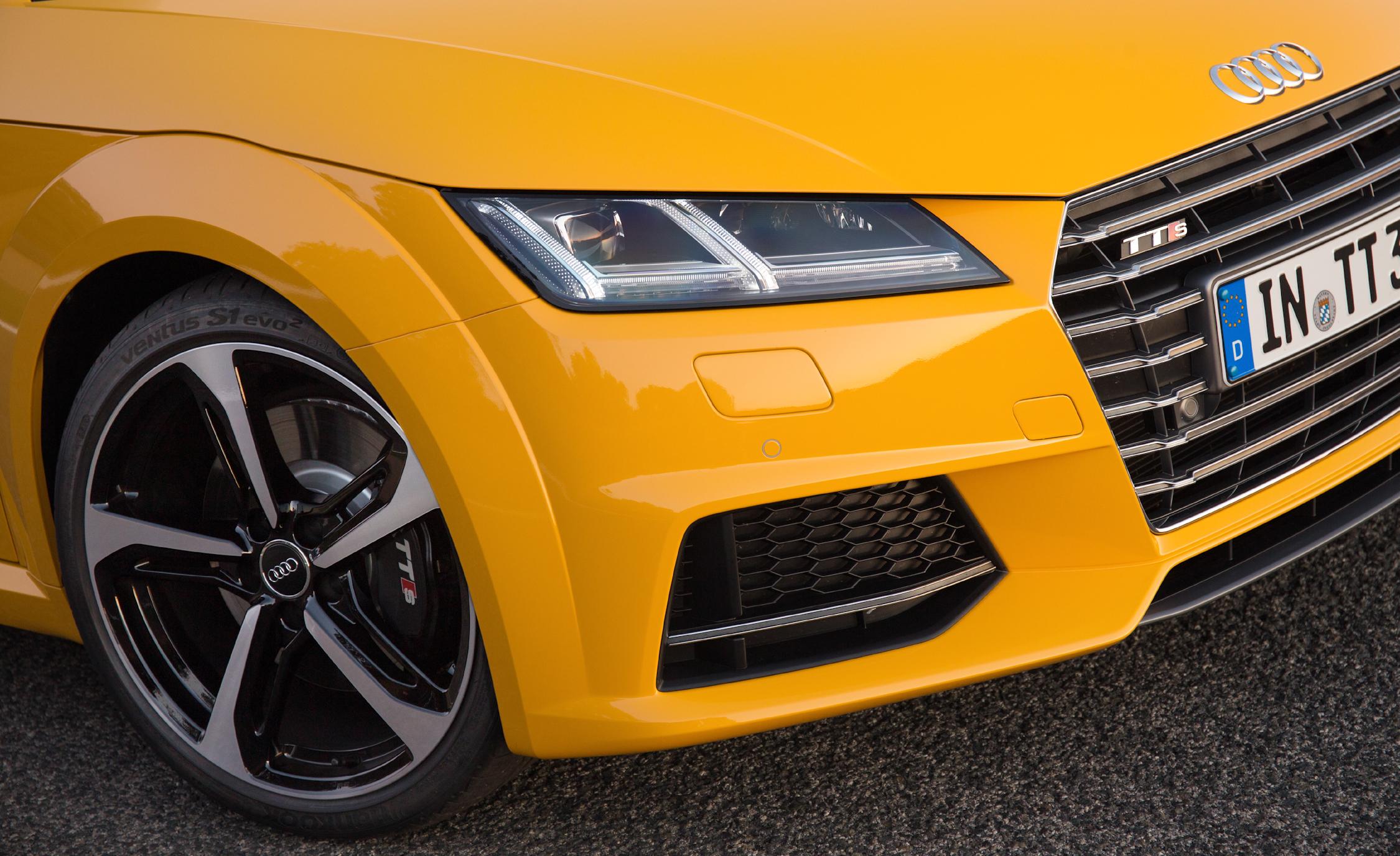 2016 Audi TTS Exterior Headlamp