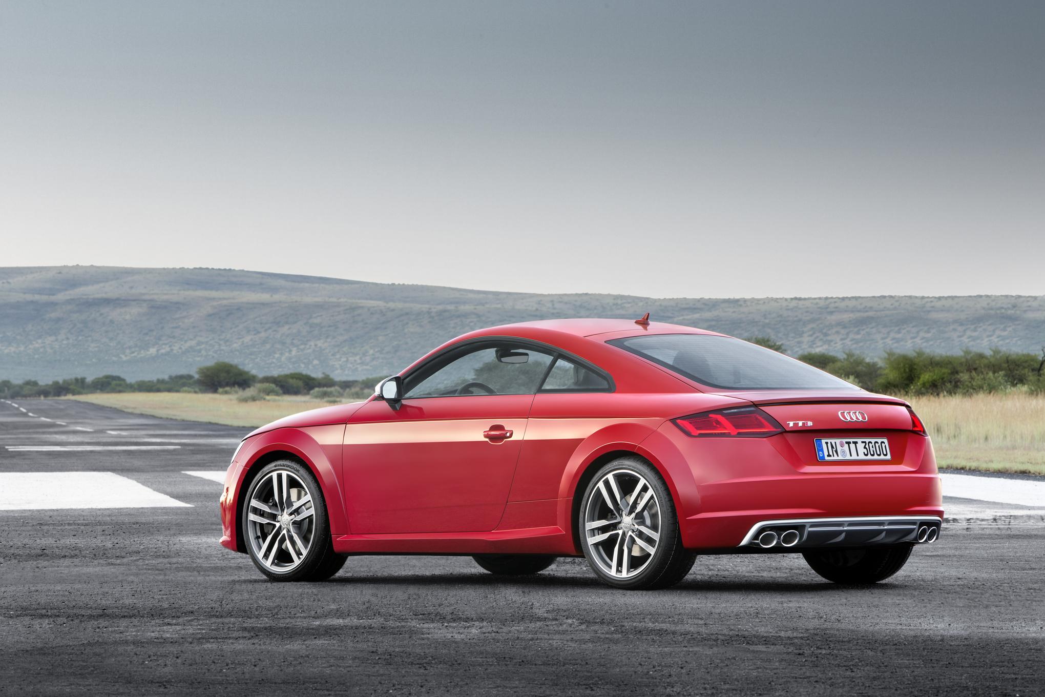 2016 Audi TTS Side Rear Photo