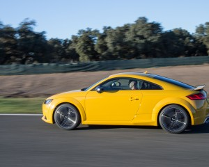 2016 Audi TTS Test Side View
