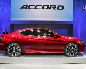 2016 Honda Accord Side Photo