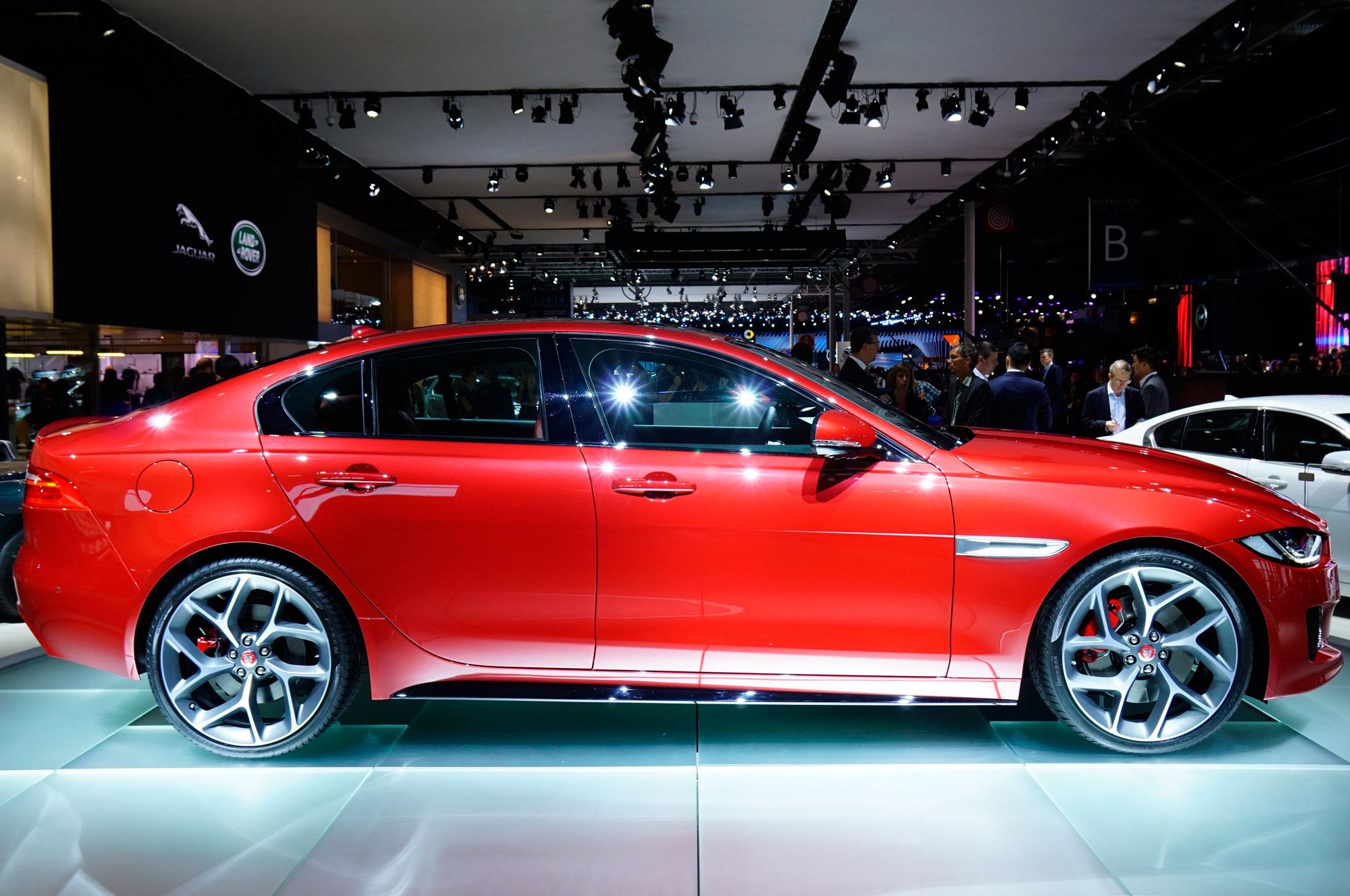 2016 Jaguar XE Red