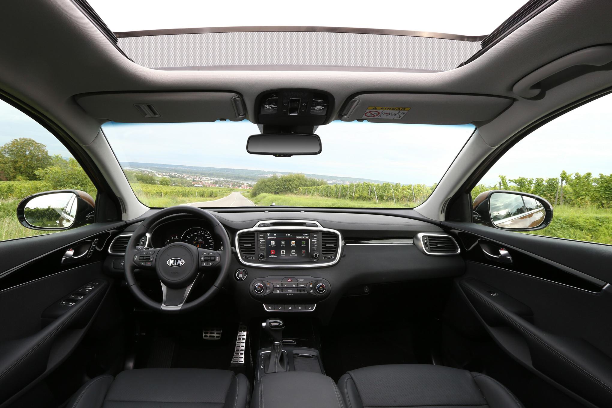 2016 Kia Sorento Interior Profile