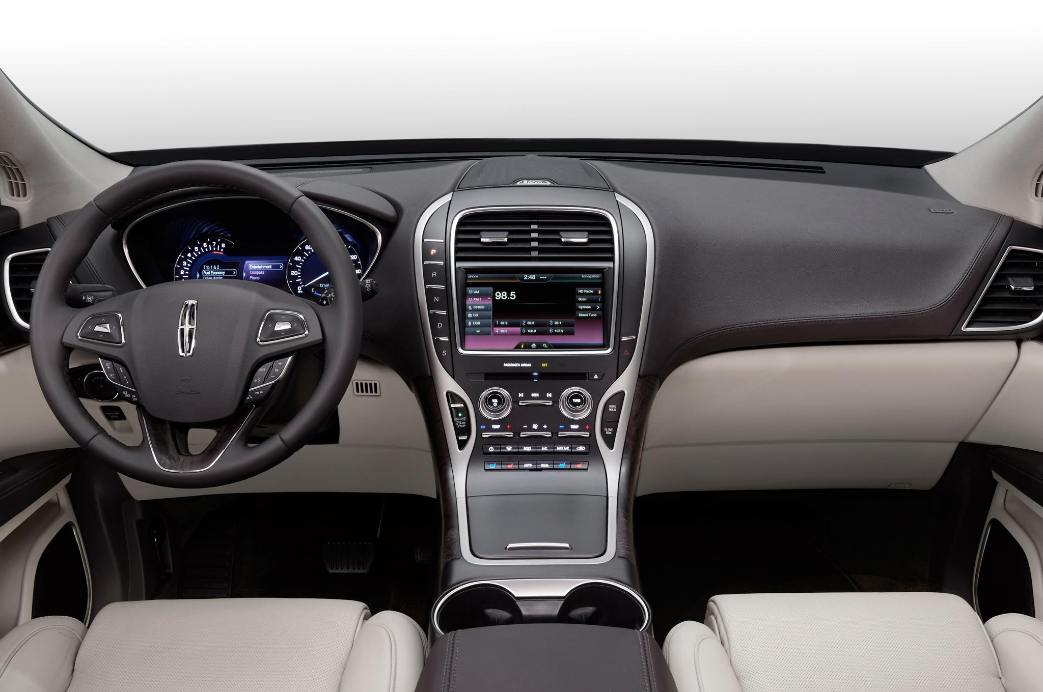 2016 Lincoln MKX Interior and Dashboard