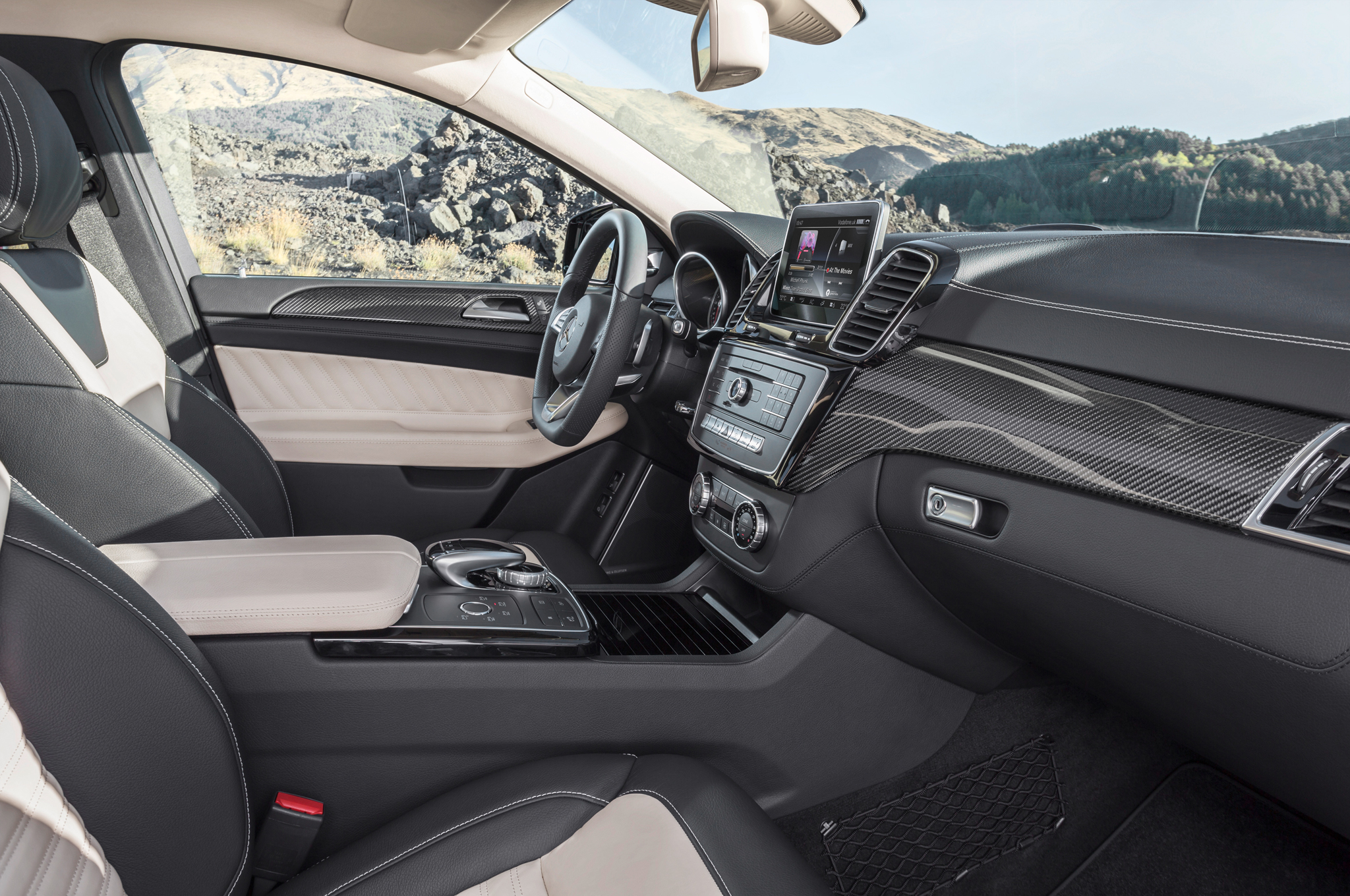 2016 Mercedes Benz AMG GLE63s Coupe Front Interior Profile