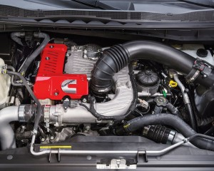 2016 Nissan Titan V8 Engine View
