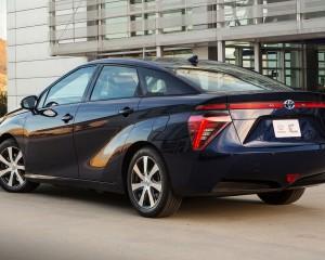 2016 Toyota Mirai Rear Side Photo