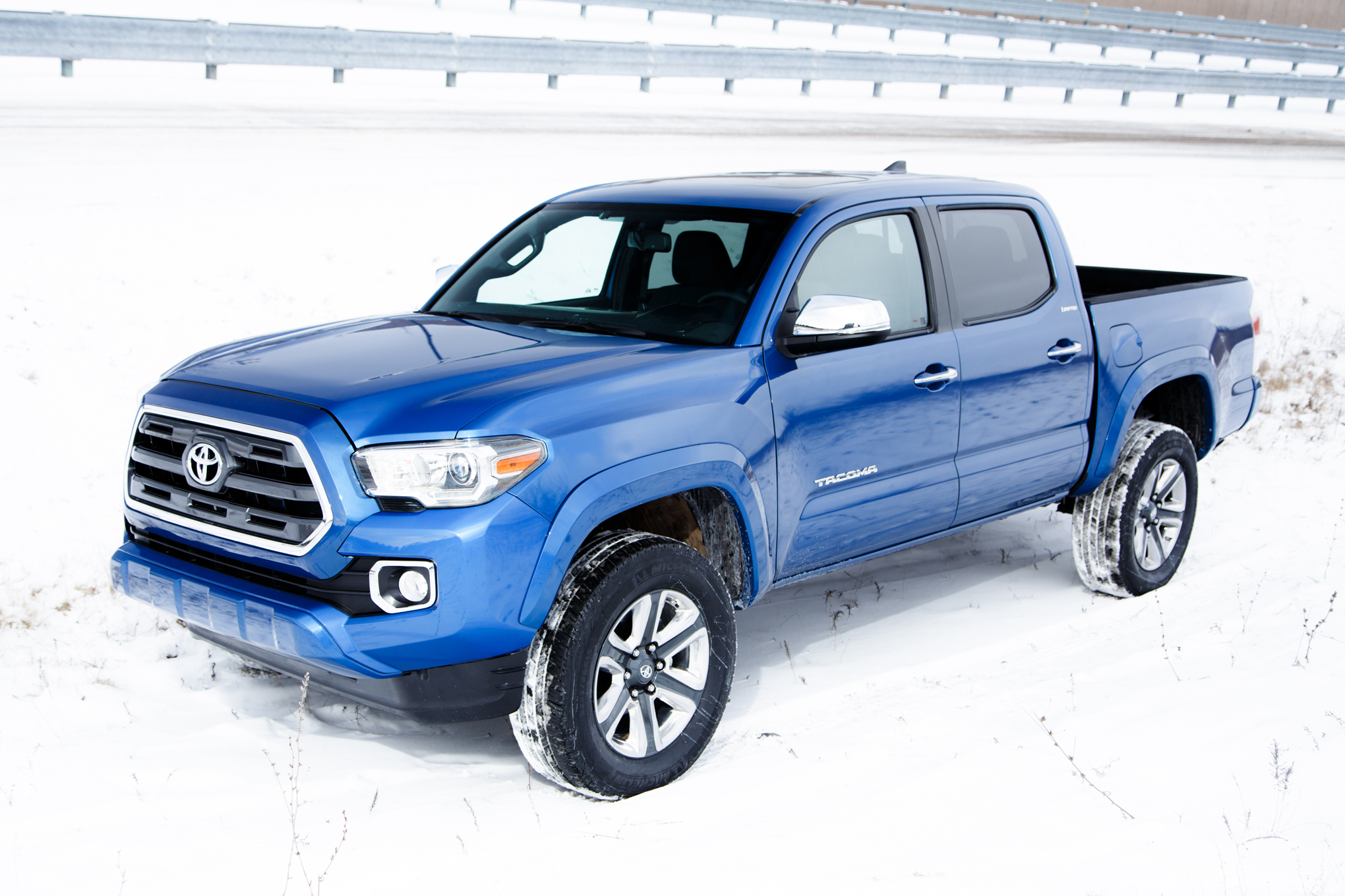 2016 toyota tacoma review 1177 cars performance reviews and test drive. Black Bedroom Furniture Sets. Home Design Ideas